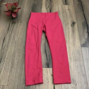 Lululemon 8 Cropped Wunder Under High Rise Pink